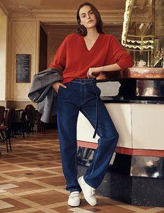 En exclusivité pour Vogue.fr, AMI dévoile sa première collection destinée à la femme, réalisée en collaboration avec 24 Sèvres. Au programme ? Une ligne de 13 essentiels tout droit sortis du vestiaire masculin, revisités dans un esprit féminin.