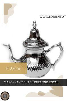 Unsere Teekannen sind Kunsthandwerksstücke, jede unterscheidet sich ein wenig von der Anderen.Wir erfreuen uns an der Schönheit und der Harmonie des marokkanischen Kunsthandwerkes, welches eine Jahrhunderte alte Tradition hat. #marokko #design #fes #marrakesch #teekanne #tee Fes, Messing, Tea Pots, Tableware, Ageless Beauty, Moldings, Marrakech, Lights, Gift Crafts