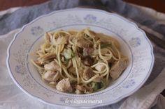 Espaguetis salteados con pollo y verduras