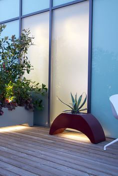 10 best ideas for pots and planters in a modern city garden