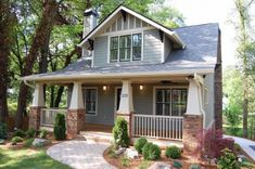 Seriously, craftsman style houses make me want to give the house a bear hug.