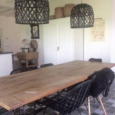 #kwantuminhuis Stoel LAZIO > https://www.instagram.com/p/BTWp8n5A85K/ en Lampenkap BOLSEIN > https://www.kwantum.nl/verlichting/lampenkappen @zwitwart