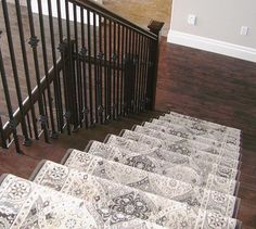 A stair-runner doesn't have to be a plain boring carpet! Add a punch of colour and/or pattern to draw your eye to the stairs. Hardwood is beautiful but it's very slippery on stairs and gets a lot of f Wall Carpet, Diy Carpet, Bedroom Carpet, Modern Carpet, Living Room Carpet, Rugs On Carpet, Carpet Ideas, White Carpet, Carpet Trends
