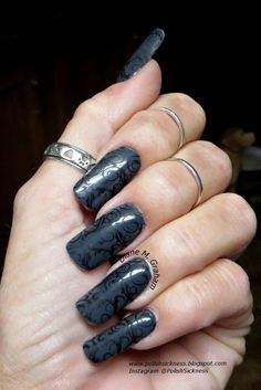 Sinful Colors Smoke, Mundo de Unas Black, Uber Chic 5-03 stamp