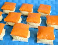 The only real: orange tompouce (how to) - Laura& Bakery - Dutch Bakery, I Love Food, Good Food, Snack Recipes, Snacks, Dutch Recipes, Cake Cookies, Cupcakes, High Tea