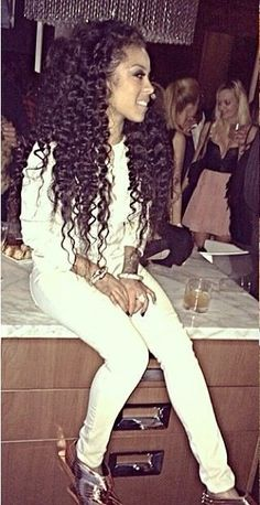 Be inspired by Keisha Cole's long curly locs!! We heart this look!! Xoxo