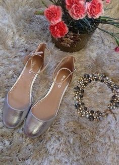 Kup mój przedmiot na #vintedpl http://www.vinted.pl/damskie-obuwie/balerinki/17661225-baleriny-na-kostke-miss-kg-srebro-nude-41-42-misskgflats-misskgmindy