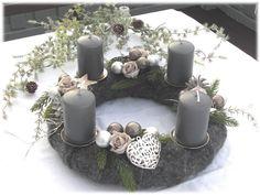 Adventskranz , Filz - Kranz grau / silber von Tinas-art-of-deco auf DaWanda.com