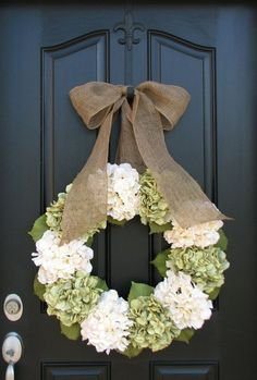 Spring Wreaths- love the simple green and ivory color scheme with the burlap bow by lina