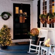 Add holiday cheer and sparkle to your porch, deck or yard with our ideas for easy outdoor decorating.
