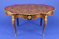 Tisch im sogn. Boulle-Stil Frankreich um 1870 Bewegter, einschübiger Zargenkasten. Schildpattfurn — Skulpturen, Plastiken, Installationen, Bronzen, Relief