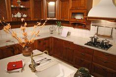 Как увеличить пространство в кухне, не делая перепланировки?