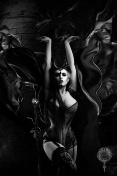 None of the art I post is my own. Gothic Fantasy Art, Fantasy Art Women, Fantasy Girl, Dark Beauty, Gothic Beauty, Female Demons, Beautiful Dark Art, Gothic Angel, Satanic Art