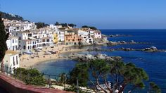 The best vilages of the Costa Brava, Spain. The Costa Brava is the coastal area of Girona, from the border with France to the Costa Barcelona. Holiday Deals, Fishing Villages, Spain Travel, Amazing Destinations, Beautiful Beaches, Places To See, Things To Do, Marvel, Mexico City