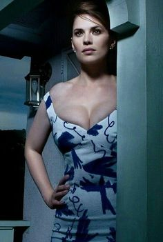 Haley Atwell cleavage in an off the shoulder dress Hayley Elizabeth Atwell, Beautiful Celebrities, Beautiful Actresses, Gorgeous Women, Hailey Atwell, Jolie Photo, Glamour, Hollywood Actresses, Movie Stars