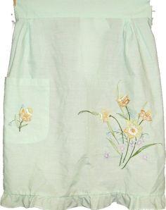 Handmade Vintage Ladies Kitchen Apron (lt. green, daffodils) June Cleaver