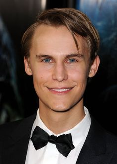 Rhys Wakefield - Pictures, Photos & Images - IMDb