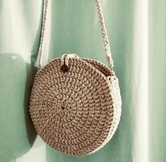 Best 12 Boho Crochet Bags – how to make your own OOAK bag – MotherBunch Crochet – SkillOfKing. Do it yourself and Crafts - Salvabrani Image gallery – Page 757589968542945034 – Artofit Crochet Backpack, Crochet Tote, Crochet Handbags, Crochet Purses, Purse Patterns Free, Crochet Patterns, Free Pattern, Stitch Patterns, Boho Crochet