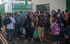 Cubanos dicen que seguirán ruta migratoria pese a cierres fronterizo - Mastrip.net