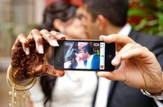 What a fancy and innovative way of using technology in the wedding shoot! pinned with Pinvolve