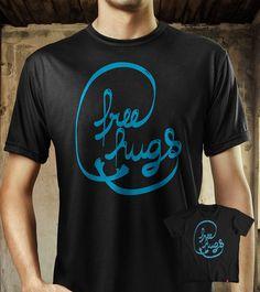 Estampa 'Free Hugs' no Camiseteria.com. Autoria de Pedro Reis http://cami.st/d/57002