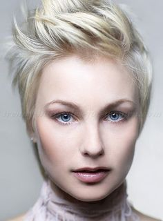 short+hairstyles+2015,+short+haircut+-+combed+back+spiky+hairstyle+for+women