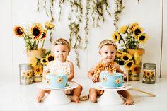 Sunflower Cakes, Twin Girls, Theme Ideas, Cake Smash, Girl Birthday, Twins, Presents, Studio, Creative