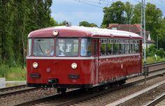 Der alte ex DB Schienenbus VT 95 9396 (795 396-0) der Berliner Eisenbahnfreunde e.V. (BEF), von MAN 1954 gebaut. Heute fuhr mir diese schöne Triebwagen gleich zweimal vor die Linse in Berlin-Karow, erst aus Richtung Bernau kommend später dann auf dem Rückweg Richtung Basdorf, 19.06.14