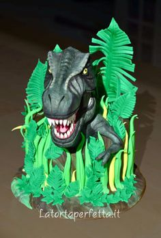T rex cake - cake by La torta perfetta - CakesDecor T Rex Cake, Dino Cake, Dinosaur Birthday Cakes, Dinosaur Party, Jurassic World Cake, Lego Jurassic, The Good Dinosaur Cake, Dinasour Cake, Realistic Cakes