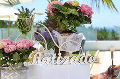 Photo by Era uma vez - Fotografia e Vídeo #batizado #eraumavez #photo #decor #flowers