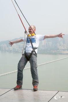 Skywalk auf dem Macau Tower bei 233m