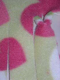 NEW WAY to tie a fleece blanket