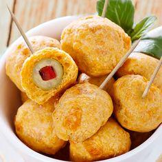 Estas pechugas con bechamel son siempre un plato de fiesta y a la vez económico y familiar. Se pueden congelar una vez empanadas y no es necesario descongelarlas antes de freír.