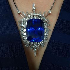 On view tomorrow! Our Important London jewellery auction goes on view at Christie's King Street tomorrow at . Here are 4 items to dream about! Ceylon sapphire F diamond Cartier Panther brooch Cartier Deco vanity case High Jewelry, Luxury Jewelry, Boho Jewelry, Bridal Jewelry, Vintage Jewelry, Jewelry Accessories, Jewelry Design, Fashion Jewelry, Jewelry Necklaces