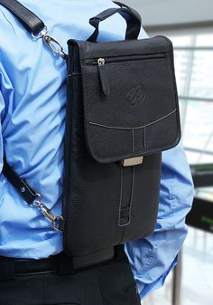 Nothing beats the comfort and ease of use of a backpack. Add our industry leading, bullet proof quality and timeless design and you have all the makings of a world class way to protect and transport your iPad Pro Best Ipad, New Ipad Pro, Leather Backpack, Leather Bag, Best Crossbody Bags, Macbook Pro Models, Lightweight Backpack, Ways Of Learning, Keyboard Cover