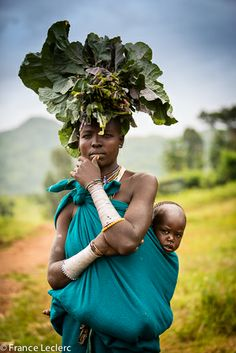 Africa | Surma mother and child. Omo Valley, Ethiopia | ©France Leclerc