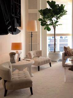 White living room, Kamer Planten. http://www.facebook.com/kenisa.home