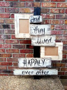 Picture frame pallet sign