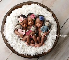 When @kimberlygphotography invites you to come to her studio to help her photograph a quadruplet session, you don't hesitate to say YES!  The quads were the first to be born in Macon Georgia in the past 21 years.  1 Boy and 3 Girls.  Then on top of it, 2 of the girls are identical.  A photography career highlight for sure.  Be sure to watch for the boy image to post soon.