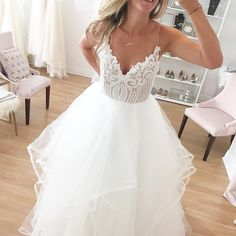Hayley Paige Pepper, $2,000 Size: 10   New (Un-Altered) Wedding Dresses