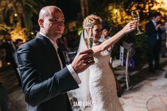 Nicer rural wedding in the inner Andalusia. Animada boda rural en el interior de Andalucía.