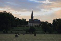 https://flic.kr/p/Mzi4nE   Le temps des moissons   Église Saint-Sauveur, Sahurs, Normandie, France.  • Website : www.catherine-reznitchenko.fr/