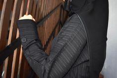 عباية شموخ مقلم مع تحديد قطان مع كم مبطن زرار خارجي تحتوي على عدة مقاسات متوفرة ومناسبة للجميع المقاسات 52 و 54 و 56 و 58 و 60 Suits, Fashion, Moda, Fashion Styles, Suit, Wedding Suits, Fashion Illustrations