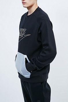 Nike Hybrid Flc Sweatshirt in Black - Urban Outfitters