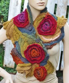Scarf Crochet Rainbow Roses Capelet Button Neck Warmer por Degra2