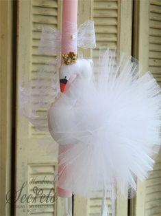 Λαμπάδα πασχαλινή κύκνος 10th Birthday, Girl Birthday, Baptism Candle, Baptism Dress, Palm Sunday, Baby Girl Dresses, Holidays And Events, Flamingo, Decoupage
