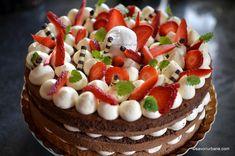 Tort de capsuni cu crema de mascarpone cu vanilie | Savori Urbane Cake Cookies, Red Velvet, Food And Drink, Birthday Cake, Sweets, Ethnic Recipes, Desserts, Cakes, Kitchen