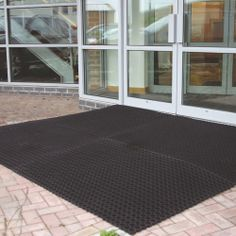Model RM-0003 #Ringmat #Octomat Manufactured from hard wearing #rubber matting for a long life span even in demanding conditions Conforms to EN-13552 Category R10 Connectors available for a larger area coverage Colour: black See more at: http://shop.hsil.co.uk/p-3995-ringmat-octomat.aspx#sthash.wnWTgTOp.dpuf