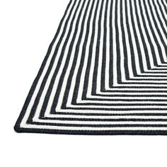 Hand-braided Indoor/Outdoor Braided Rope Rug - x (Black), Alexander Home (Polypropylene, Stripe)