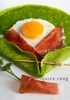 Sunny Side Up Spinach Crepes are a quick and delicious way to start the day. Check out our quick recipe and get your cooking on. Quick Recipes, Quick Meals, Healthy Recipes, Healthy Foods, Prosciutto, Enchiladas, Avocado Toast, Spinach, Brunch